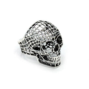 right side of the Mesh Skull Ring in silver from the han cholo skulls collection