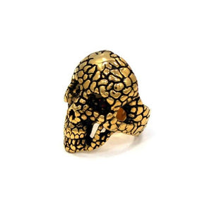 left side of the Nugget Skull Ring in Gold from the han cholo skulls collection