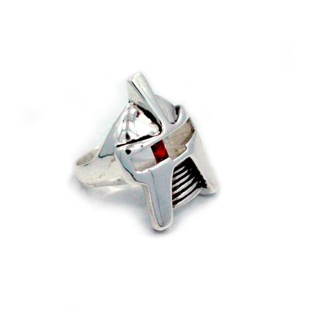front of the Raider Ring in silver from the han cholo alien collection