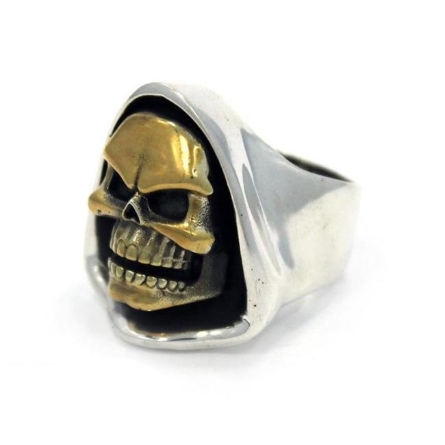 front of the Skeletor Ring from the masters of the universe jewelry collection