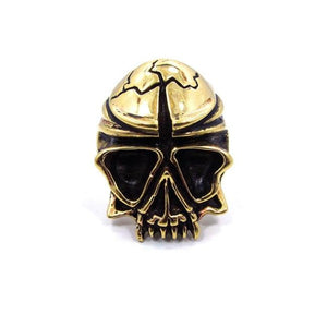 front of the Skull Ring in gold from the han cholo fantasy collection
