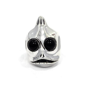 front of the Sleezy Ring in silver from the han cholo alien collection