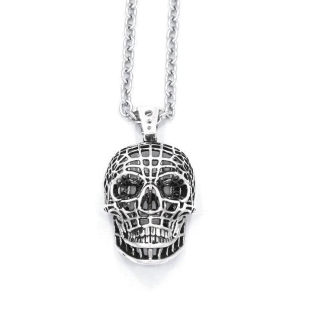 front of the Mesh Skull Pendant in gold from the han cholo skulls collection