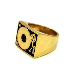 side of the turntable ring in gold from the han cholo music jewelry collection