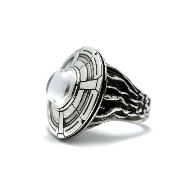 front of the Ufo Ring in silver from the han cholo alien collection