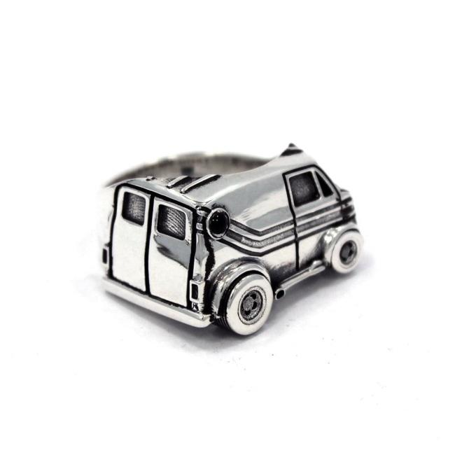 front of The Van Damn Ring in silver form the han cholo cruising collection