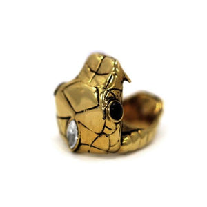left top angle of the Venom Ring gold from the han cholo fantasy collection