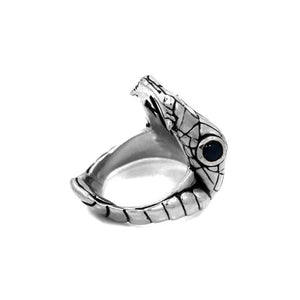 right angle of the Venom Ring silver from the han cholo fantasy collection