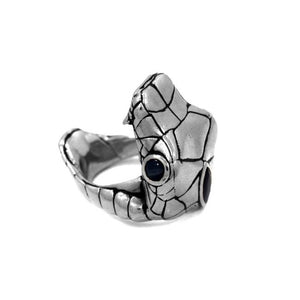 left side of the Venom Ring silver from the han cholo fantasy collection