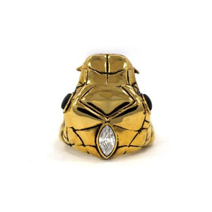 top detail of the Venom Ring gold from the han cholo fantasy collection