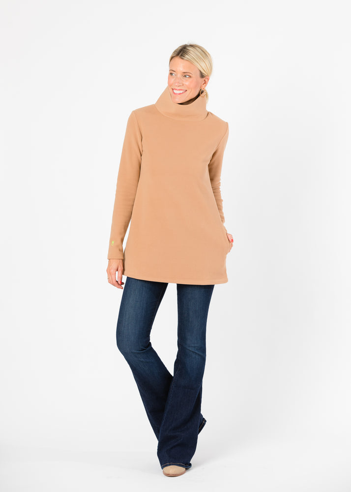 Load image into Gallery viewer, Cobble Hill Turtleneck (Camel) TH