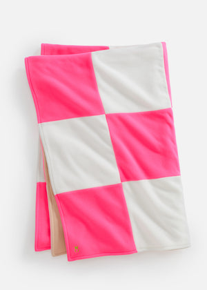 DS Gives Blanket in Vello Fleece (Neon Pink/Off White)