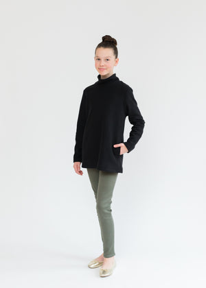 Greenbriar Girls Turtleneck (Black)