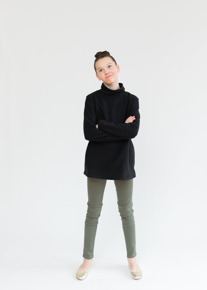Load image into Gallery viewer, TH - Greenbriar Girls Turtleneck (Black)
