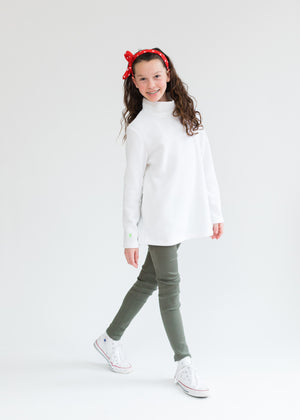 Load image into Gallery viewer, Greenbriar Girls Turtleneck (White)