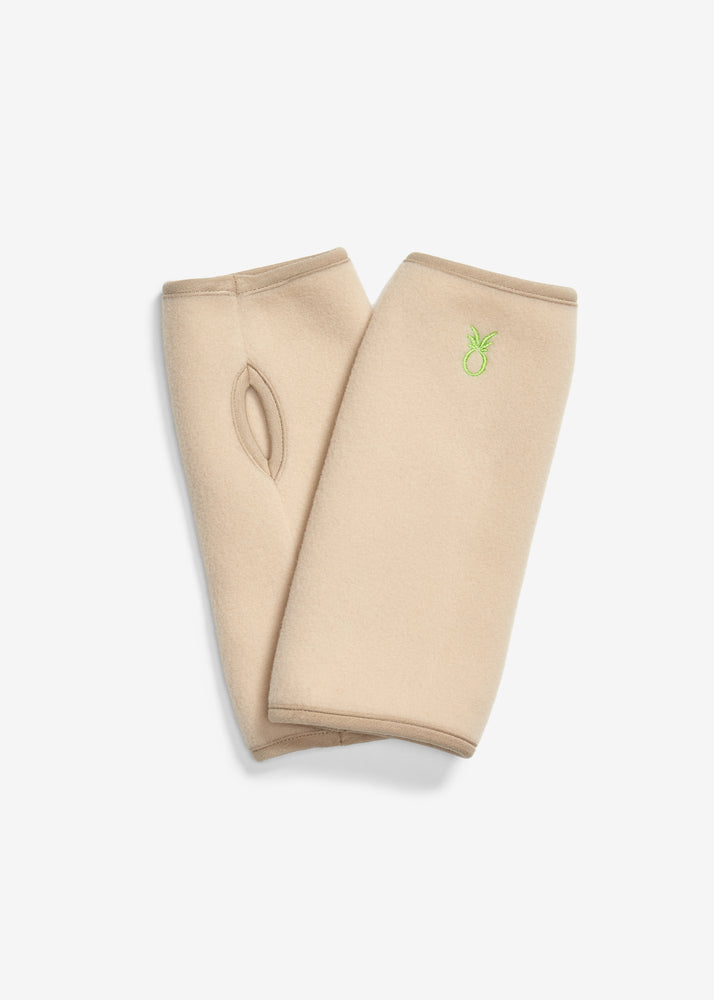 Greenpoint Gloves in Vello Fleece (Natural Blush)
