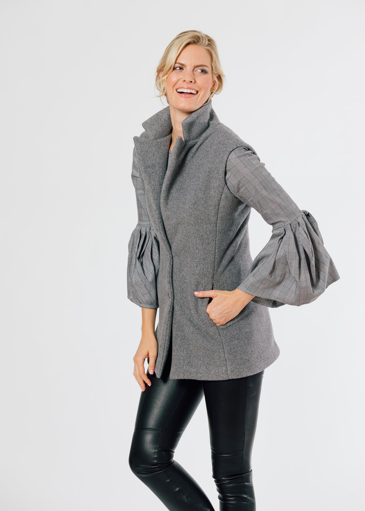 Pacific Vest in Double Layer Vello Fleece (Charcoal Grey) TH