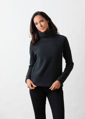 Park Slope Turtleneck in Double Layer Vello Fleece (Black)