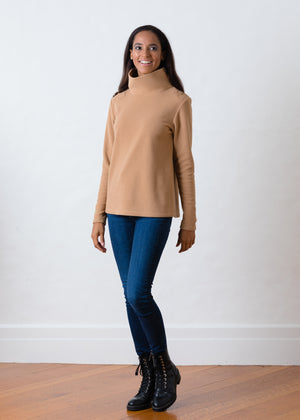 Load image into Gallery viewer, Greenpoint Turtleneck in Vello Fleece (Camel)