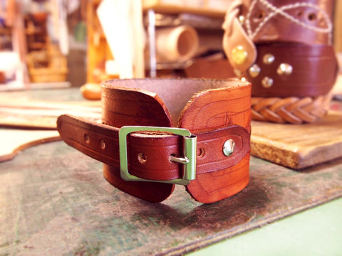 Polised Buckle Up Leather Wristband