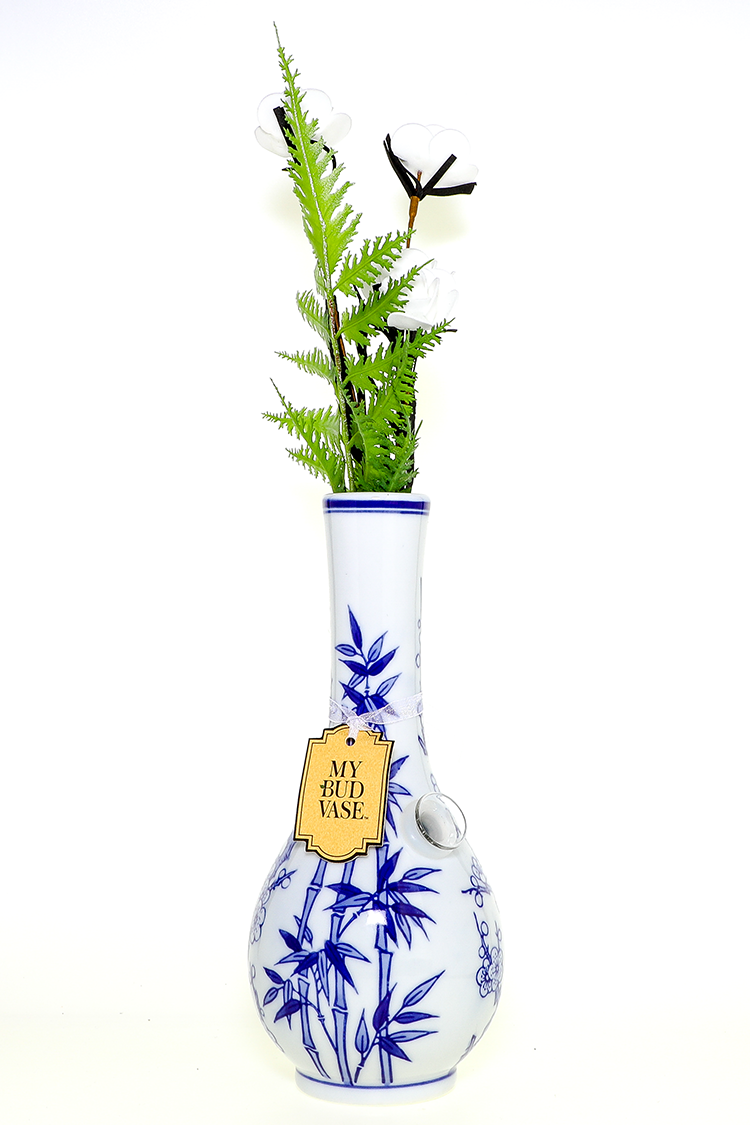 Nhalables Actual Image for a Imported My Bud Vase Luck waterpipe