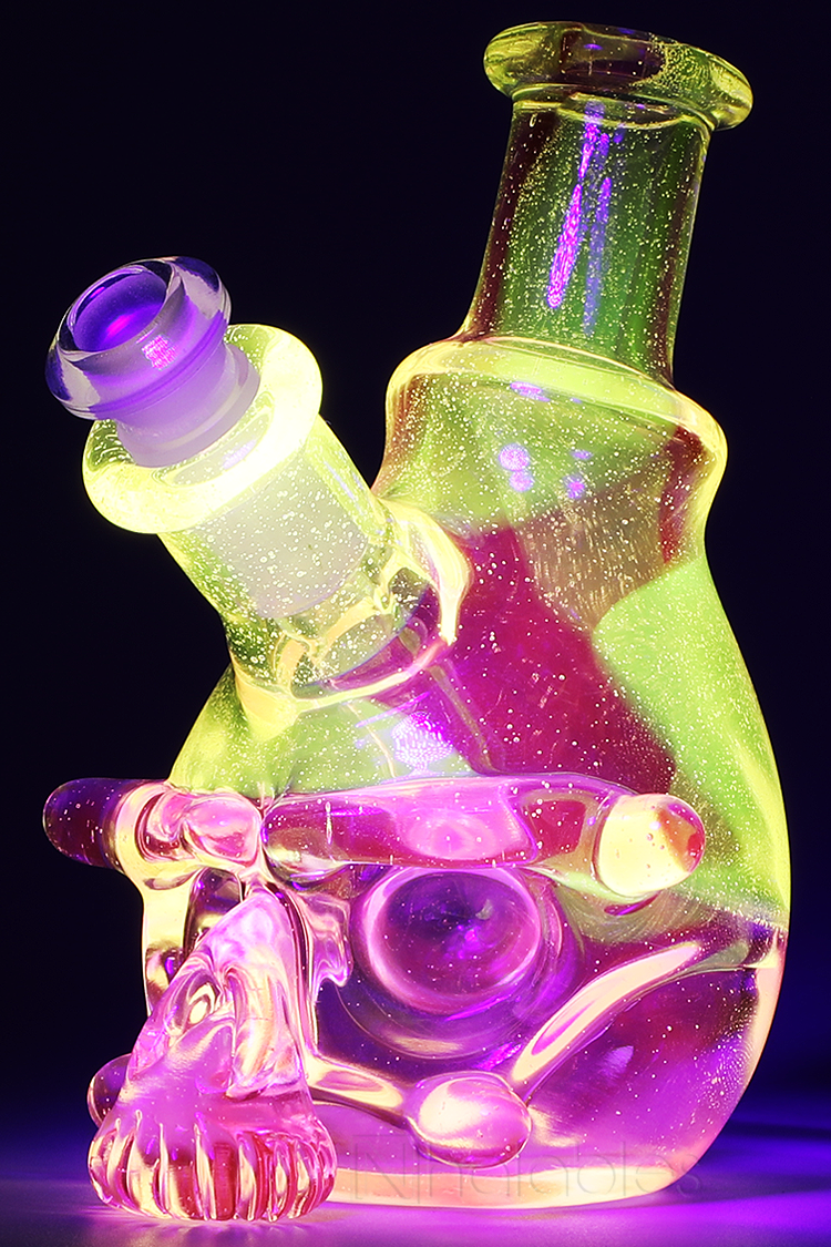Nhalables Front side left Image for a Tuskum Glass (Ohio) sculpted UV reactive skull rig
