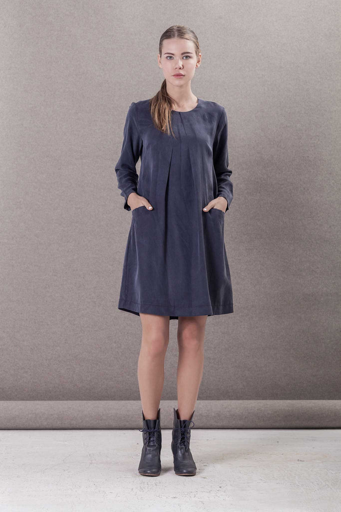 ELEGANT GRAY DRESS WITH POCKETS