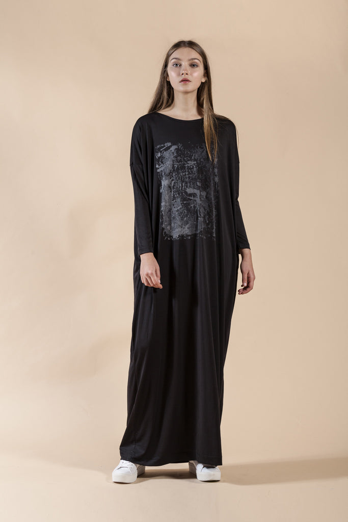OVERSIZE MAXI DRESS WITH HAND MADE GRAY PRINT -BRICK