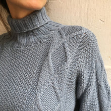 Afbeelding in Gallery-weergave laden, Alpaca sweater ice blue