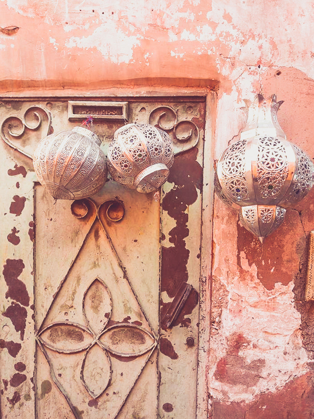 Silver lanterns and swirly door in Marrakech | Travel Guide | Marrakesh Shopping | Morocco