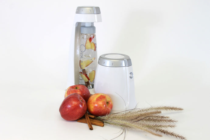 Healthy Fall Hydration: Apple & Cinnamon Infused Sparkling Water