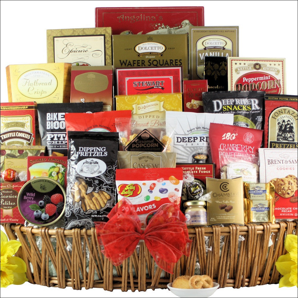 Magnificent Munchies: Gourmet Snack Basket