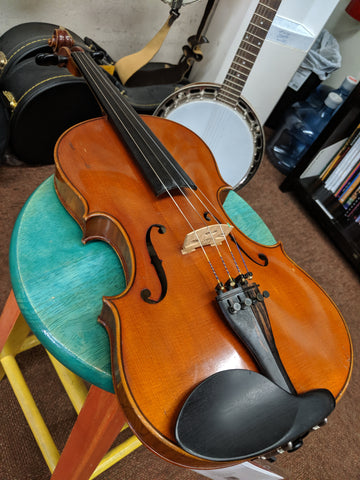 1920 Amati Copy 4/4 Violin W/ Case and (2) Bows