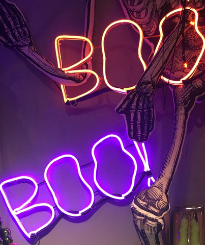 Lighted & Animated Halloween Decor