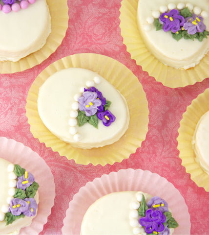Easy Easter Egg Cakes with Violets