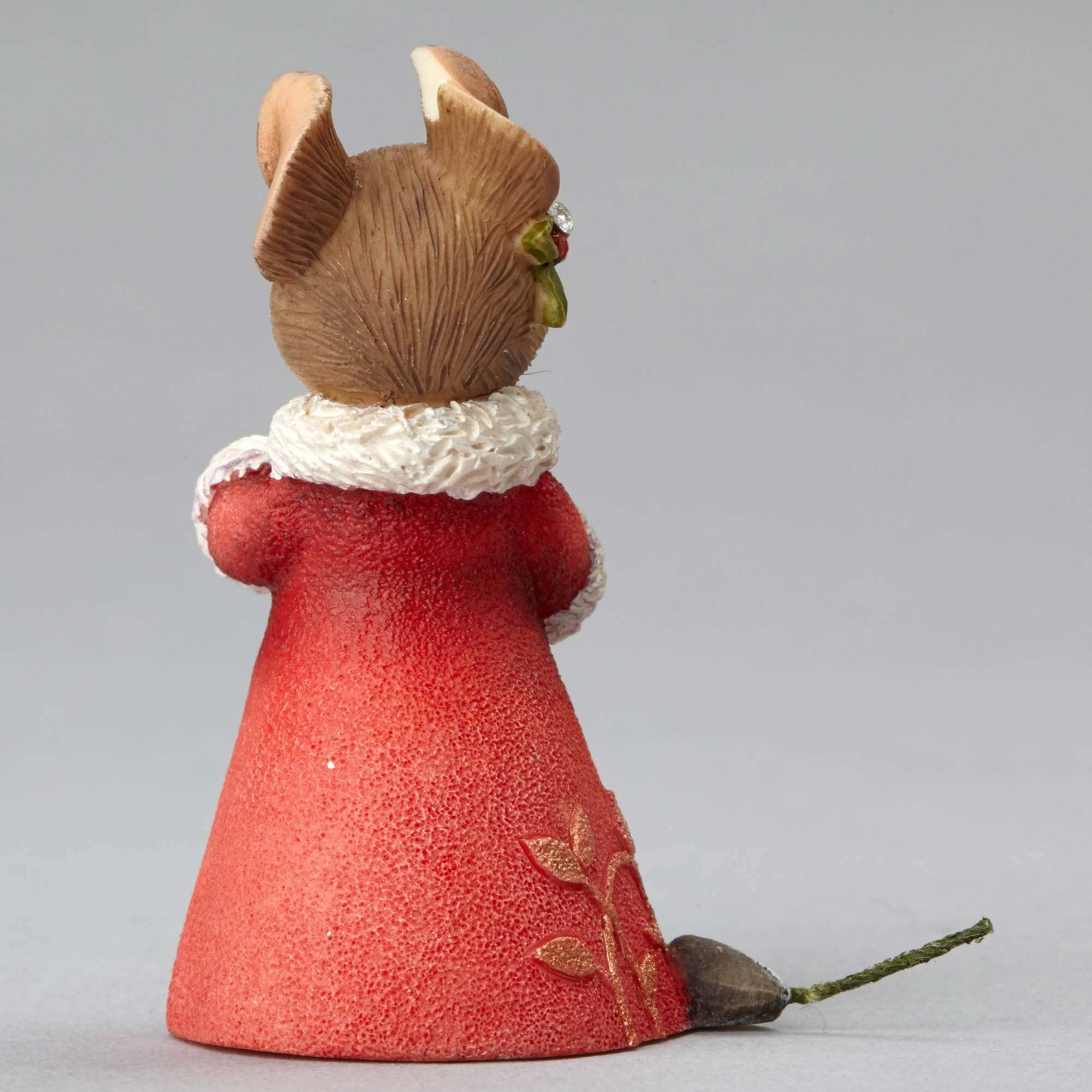 Mouse with Seeds Garland Christmas Figurine - Backside