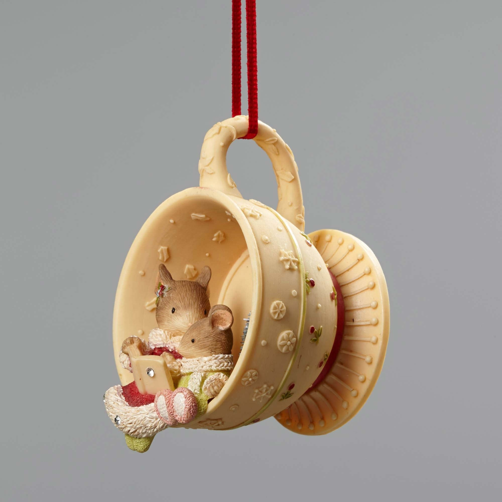 Christmas Mice In Tea Cup Ornament