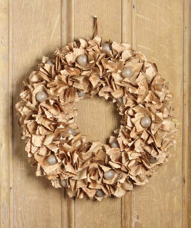 Platinum Postale Paper Wreath