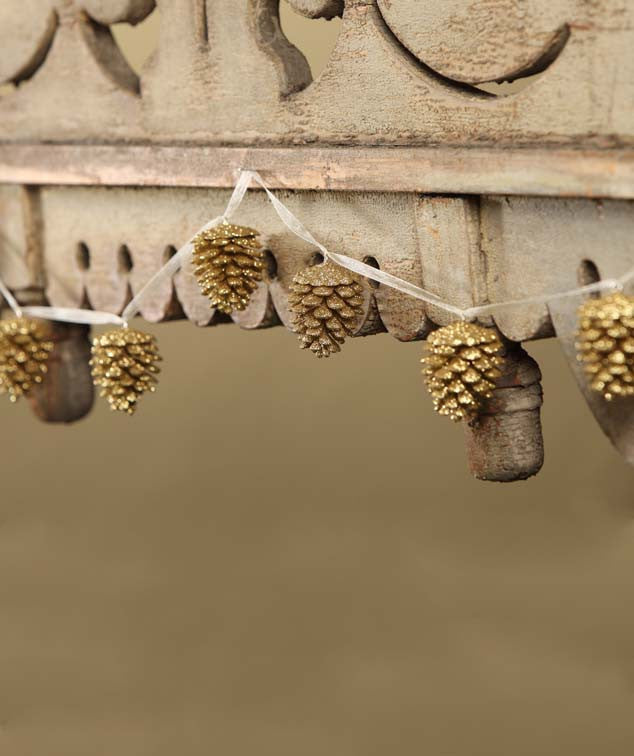 Gold Glittered Pinecone Garland