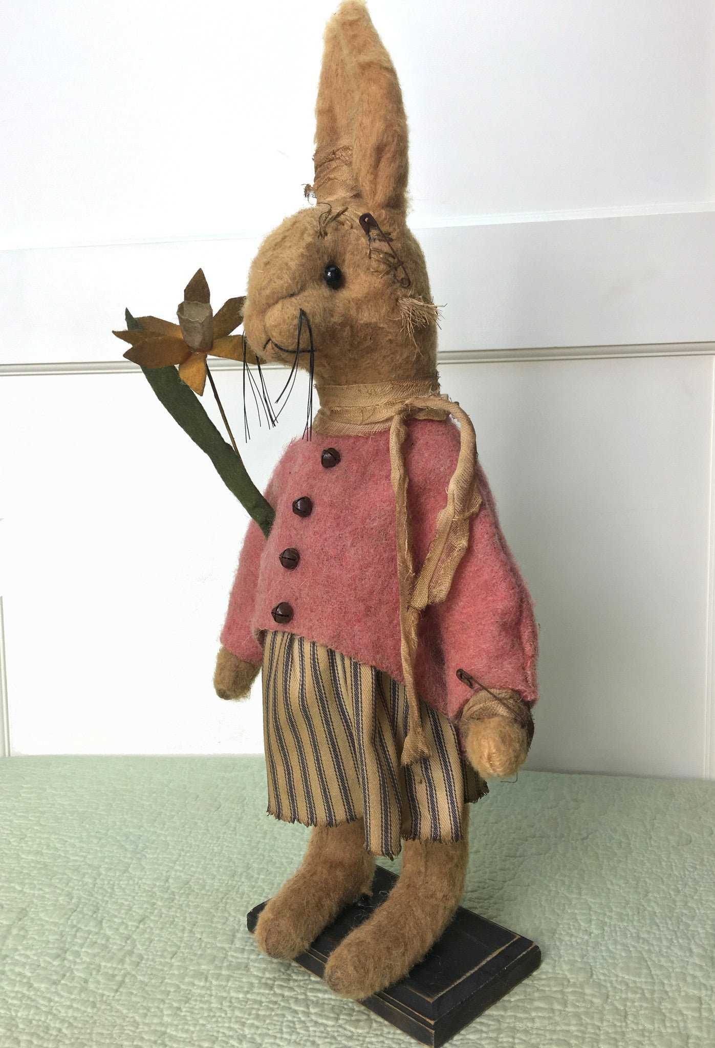 Primitive Bunny Rabbit with Daffodil on Stand