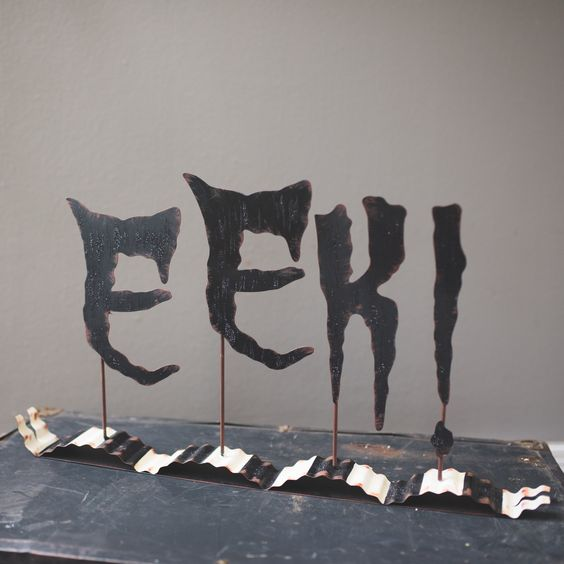 EEK Tabletop Sign - Metal Halloween Decor