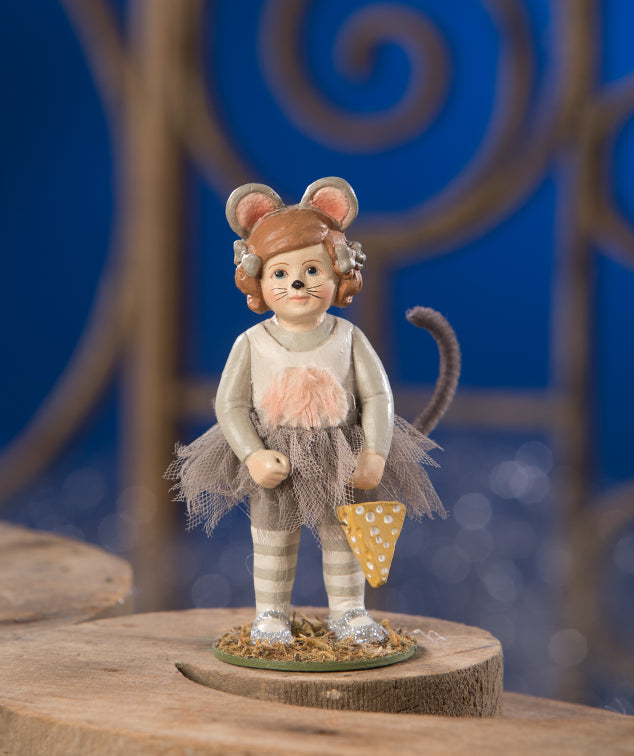 Minnny Figurine, Girl in Mouse Costume