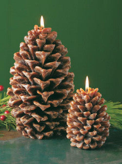 Small Pinecone Candle