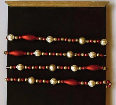 Romantic Red & Gold Glass Garland