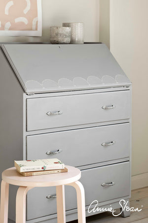 Chalk Paint™ by Annie Sloan Chicago Grey