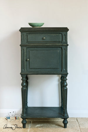 Chalk Paint™ by Annie Sloan Graphite
