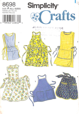 Simplicity 8698 Set of Aprons