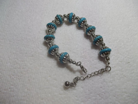 Turquoise Flat Glass Bead Between Silver Cap Bracelet (B368)