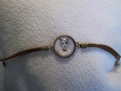 Bronze Brown Leather Bubble White Cat Bracelet (B408)