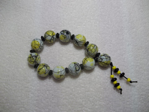 White Yellow Black Swirl Glass Bead Stretchy Bracelet (B425)